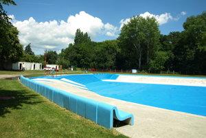 Pohľad a bazén.
