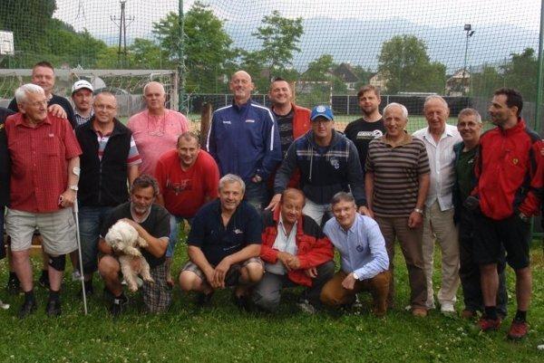 Bývalí hokejisti na ostatnom stretnutí v Tepličke.