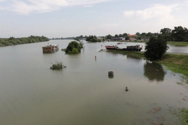 Tohtoročné povodne v Komárne.