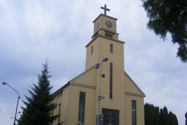 Hluk zvona v dolnom kostole vyvolal sťažnosti ľudí. Niečo podobné riešili prednedávnom aj obyvatelia Nitry na Párovciach, rušil ich piaristický kostol.