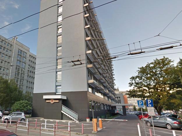 Administratívna budova na Miletičovej 23 dodnes patrí firme LIKO Bratislava, kde je Ivan Jakšík predsedom predstavenstva.