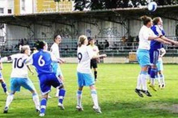 Ilustračné foto z predchádzajúceho súboja FC Union - Slovan v Nových Zámkoch.