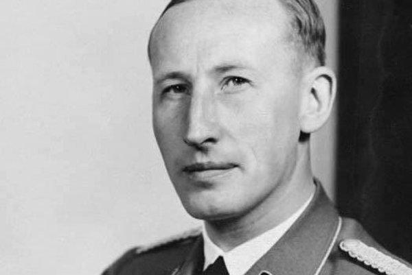 Reinhard Heydrich bol člen nacistickej strany NSDAP, po Heinrichovi Himmlerovi druhý najvyšší predstaviteľ nacistických ozbrojených zložiek Waffen-SS.
