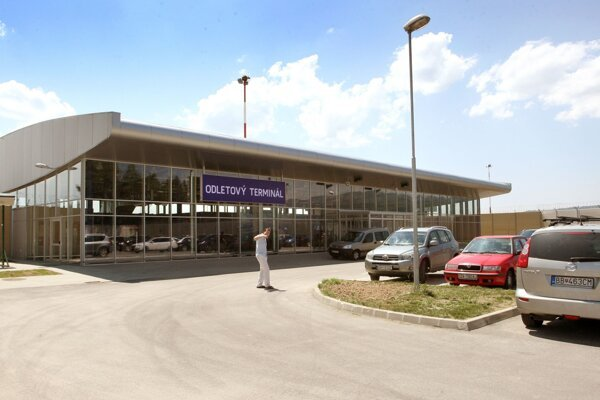 Odletová hala na Letisku Sliač.