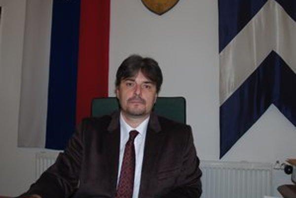 Primátor Kolárova Árpád Horváth.
