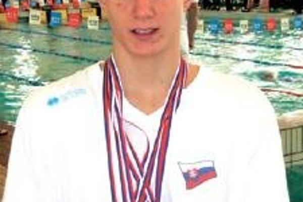 Adam Pilek priniesol z Trnavy šesť medailí.