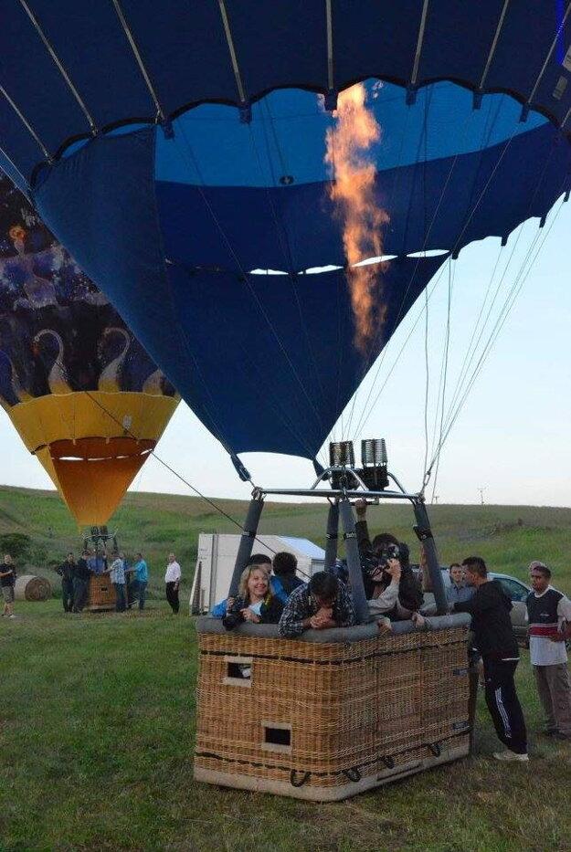 V rámci programu sa návštevníci mohli zviesť aj na teplovzdušnom balóne.