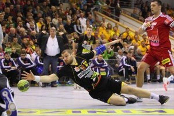 Alexander Ivanov je opäť v drese HC Štart.