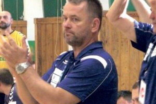 Mikuláš Kucsera opäť na lavičke HC Štart.