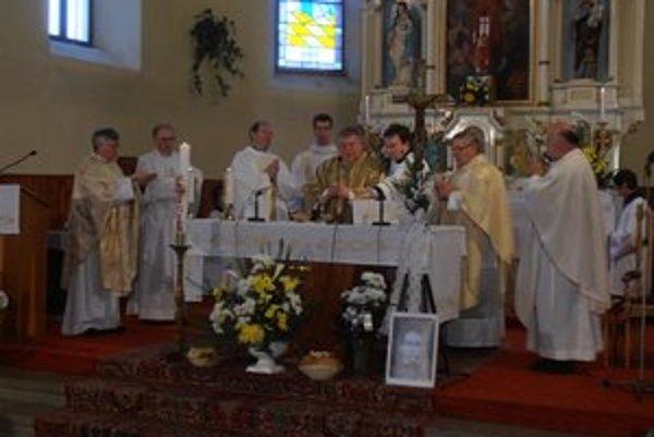 Zo sv. omše v jasovskom kostole.