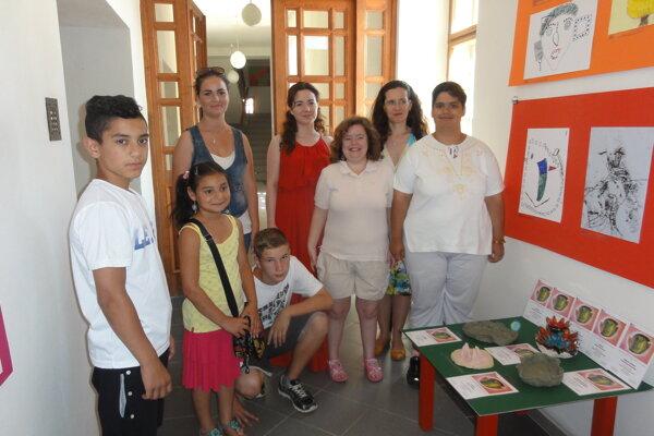 Na snímke deti zo Špeciálnej ZŠ vo Vrábľoch a Spojenej školy na Červeňovej ulici v Nitre.
