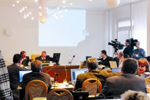 Novozámocká televízia sníma priebeh rokovaní zastupiteľstva už niekoľko rokov.