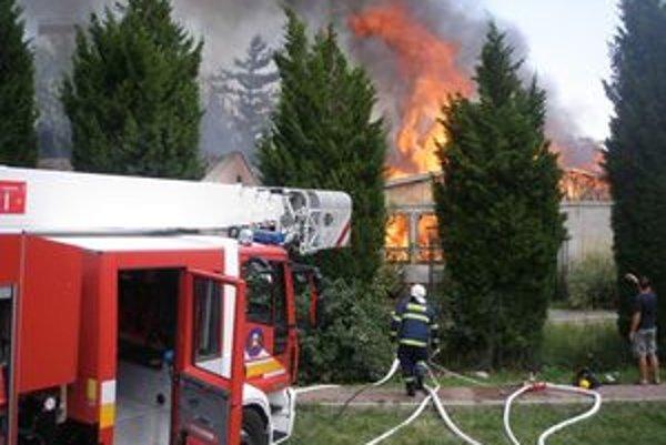 Požiar objektu bývalej Strednej priemyselnej školy elektrotechnickej na Vansovej ulici.