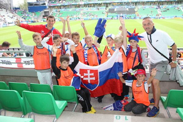 Víťazi McDonald´s Cup 2016 si vychutnávajú prvú cenu - účasť na zápase tímu Slovenska na Majstrovstvách Európy s Anglickom.