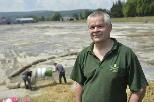 Profesor Blahoslav Maršálek na prešovskom kúpalisku Delňa navrhol prevádzkovo lacnú technológiu na čistenie vody.