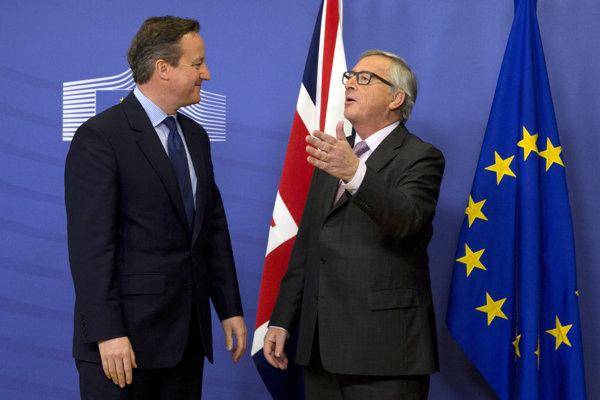 David Cameron (vľavo) už oznámil, že ako britský premiér končí. Bude ho nasledovať šéf Komisie Jean-Claude Juncker?