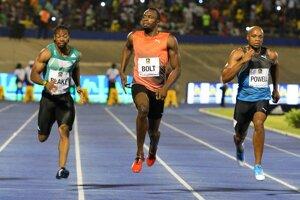 Usain Bolt (v strede) patrí na každých pretekoch medzi favoritov.