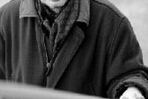 Oleg Pastier (1952) - do novembra 1989 spoluvydavateľ bratislavských samizdatových časopisov a knižných edícií. Autor básnických zbierok Plot, Oko za zub, Možno, Album a iných. Od roku 1987 je šéfredaktorom Fragmentu - revue pre literatúru, výtvarné umeni