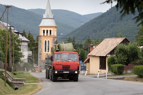 Priemerná mzda v doprave a skladovaní dosiahla 813 eur.