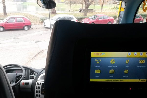 Žlté autobusy budú jazdiť medzi Banskou Bystricou a Bratislavou.