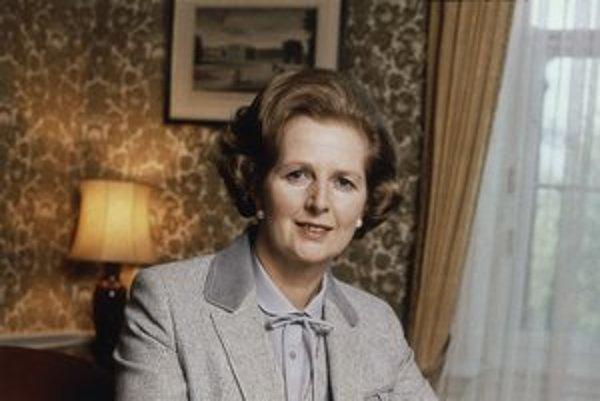 Premiérka bola vášnivou milovníčkou blúzok s mašľami, ktoré zjemňovali strohosť jej kostýmov. Mala ich nespočítateľne veľa – so vzorom aj bez neho.