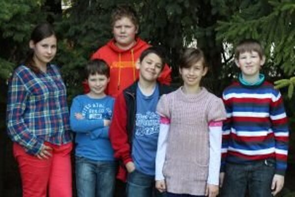 Zľava: Janka (12), Samko K. (11), Samko O. (12), Dominik (11), Katka (11), Damián (11)