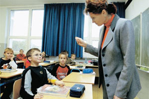 V triedach bude od septembra sedieť menej detí.