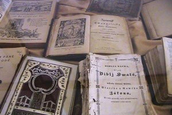 Z výstavy dvoch stoviek zaujímavých historických kníh.