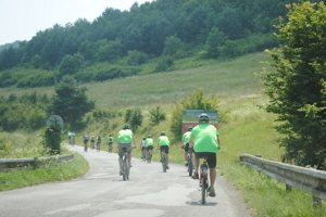 Okolo Domaše. Cyklisti zdolali takmer 40 kilometrov.