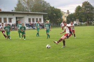 Prestížny duel. V derby sa radovali hráči Čierneho.