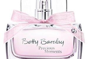 Precious Moments, Betty Barclay, od 17,75 €Jemná kvetinová vôňa Precious Moments bola stvorená na intenzívne a nezabudnuteľné chvíle. Kombinuje v sebe ingrediencie ako malina, kardamón, pivónia, frézia, vanilka, pižmo a karamel.
