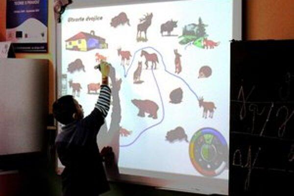 Spojená škola v Hanušovciach nad Topľou. Učia detí netradične.