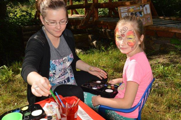 Maľovanie na tvár.