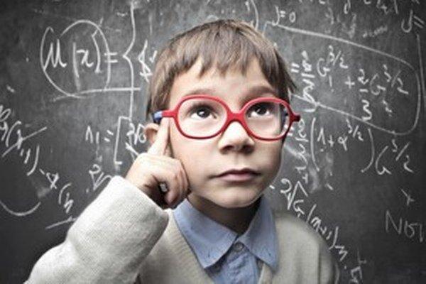 Rozumnou reakciou na informačný nadbytok je naučiť naše deti matematiku, logiku i programovanie.