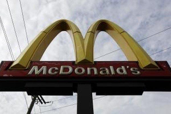 McDonald's ustúpil od pravidiel o geneticky upravených krmivách.
