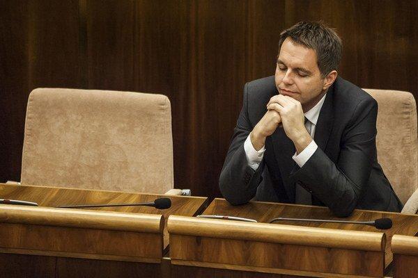 Minister financií Peter Kažimír vie, že deficit, ktorý v stredu zverejnil Eurostat, môže byť na jeseň vyšší.