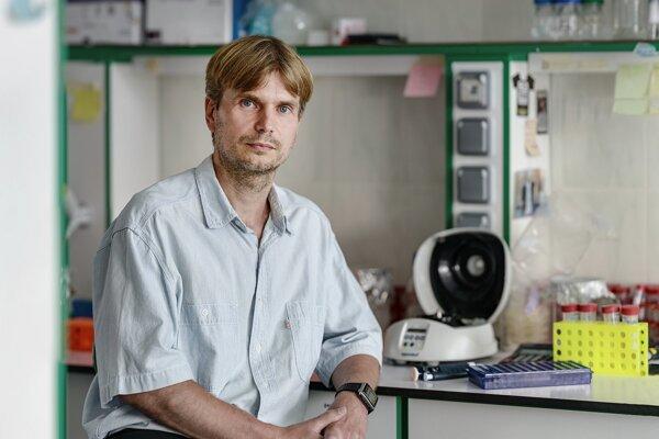 Vedúci tímu, ktorý objavil proteíin Dbl2, Juraj Gregáň.