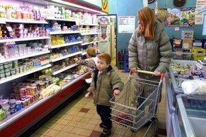 Informácie na obaloch potravín sa majú koncom roka zväčšiť.