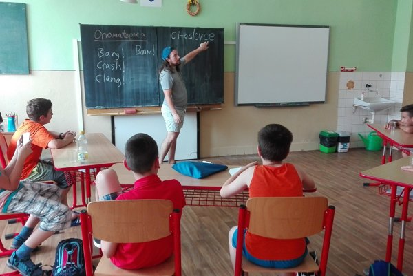 Ozzy z Arizony učí slovenských tínedžerov