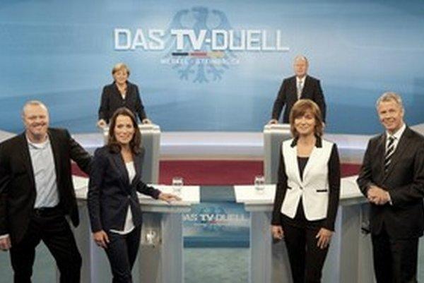 Moderátori: Stefan Raab (vľavo), Anne Will, Maybrit Illner a Peter Kloeppel.