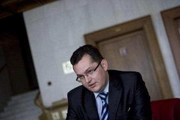 Poslanec Smeru Andrej Kolesík.