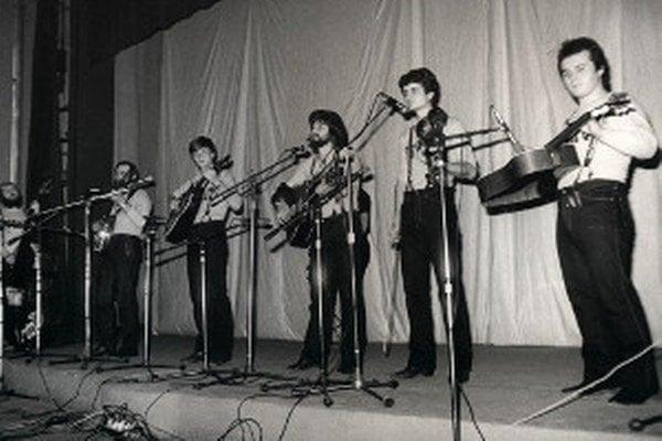 Fúzači so svojimi pesničkami vystupovali po celom Slovensku.