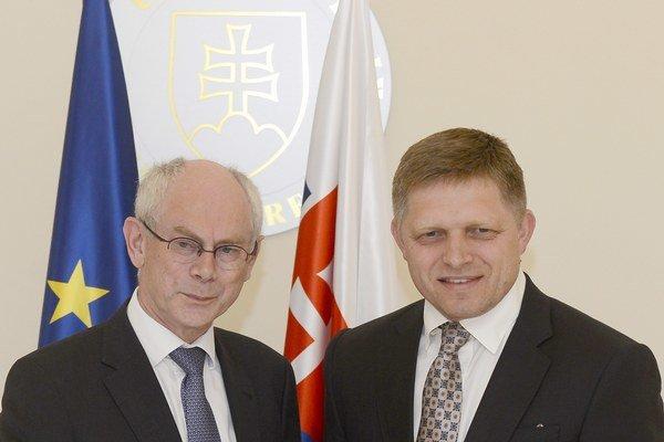 Vpravo premiér SR Robert Fico a vľavo predseda Európskej rady Herman Van Rompuy v Bratislave.