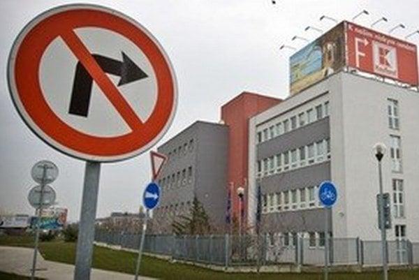Bratislavskí teplári sa pred časom sťahovali do nového sídla k novému softvéru. Ich budova má zrejme výrazne nižšiu cenu ako softvér v nej.