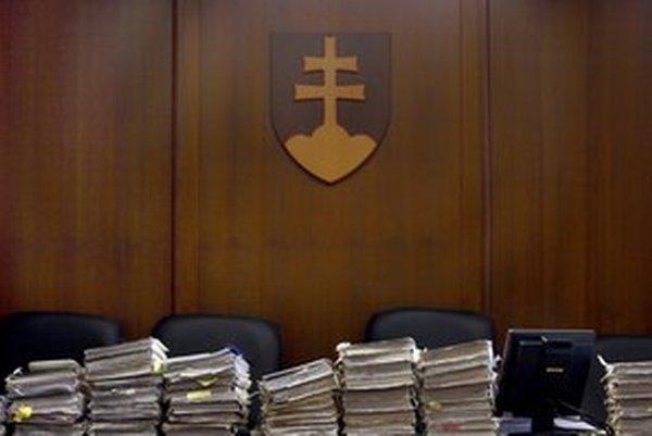 Rada má zadarmo rozhodovať aj o zvyšovaní ceny cez dodatky.
