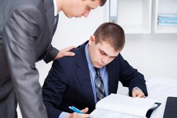 Pri eseročke je v porovnaní so živnosťou náročnejšie vedenie účtovníctva, aj komplikovanejšie skončenie podnikania.