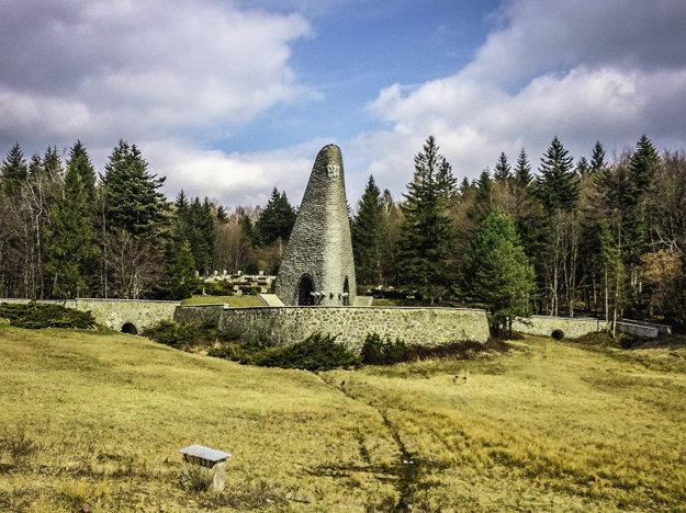 Pamätník na Dukle je národnou kultúrnou pamiatkou.