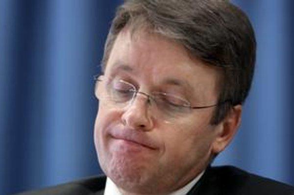 Padol aj návrh na odvolanie ministra financií Ivana Mikloša.
