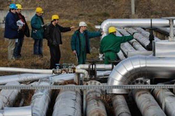 Plynu z Ruska chodí menej pre extrémne tuhú zimu. Ukrajina a Rusko však na seba slovne útočia.
