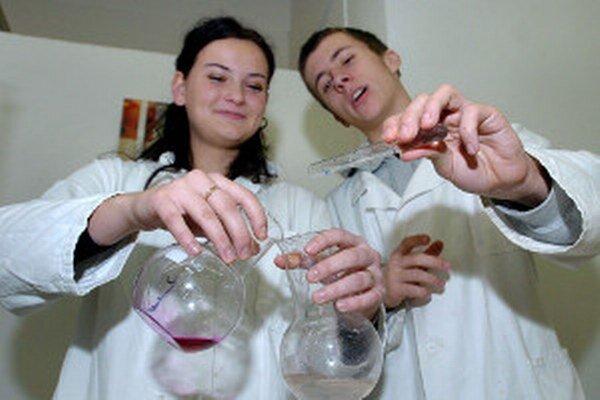 V okrese Prievidza je stredoškolákov opäť o 280 menej.